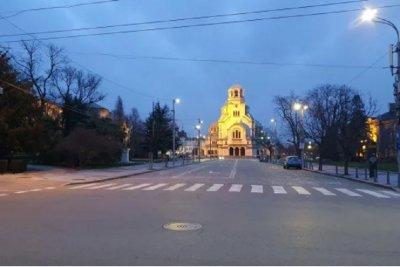 София е мъртъв град в петък вечер (ПОТРЕСАВАЩА ГАЛЕРИЯ)