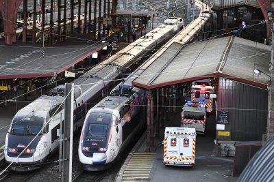 Във Франция превърнаха високоскоростен влак в линейка