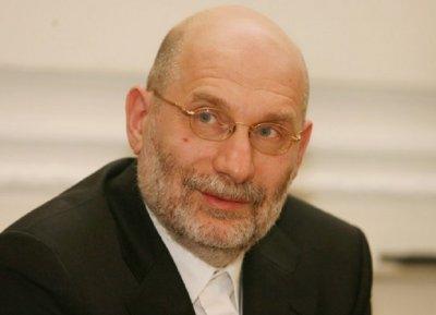 Руският писател Борис Акунин пипнал коронавирус