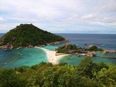 Трус от 5,9 по Рихтер люшна Индонезия