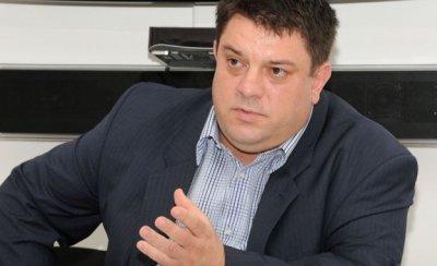 БСП отвръща на Каракачанов: Волът като рие, на гърба си хвърля