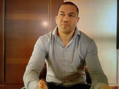 Щедър: Кобрата дарява $2,5 млн. на медиците след мача с Джошуа