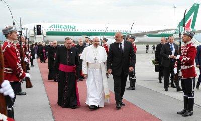 Бойко Борисов изпраща папа Франциск