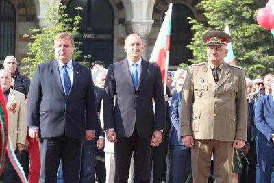 Вижте кои политици уважиха Деня на Европа в София (ГАЛЕРИЯ)