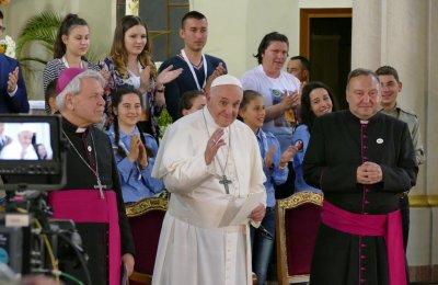 Папа Франциск е трогнат от причастието на българските деца