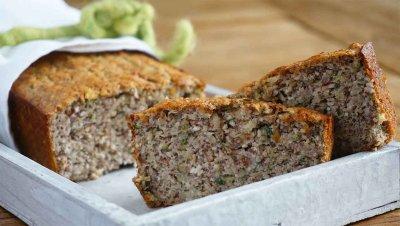 Хляб с ядки и тиквички
