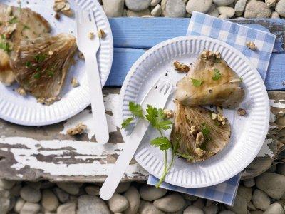 Гъби кладница на барбекю с орехи (стъпка по стъпка в снимки)