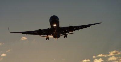 Гърция възобновява полетите си за България