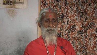 Умря йогата, живял 76 г. без храна и вода