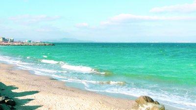 Черно море с перлени води, чакаме туристи