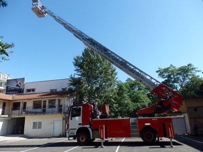 Пожарникари щурмуваха апартамент и откриха мъртва жена