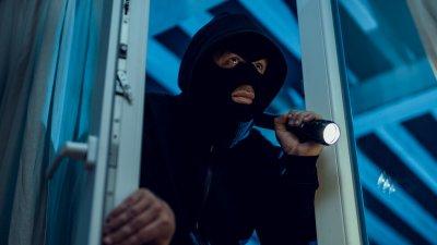 Варненци заключиха крадец на терасата си