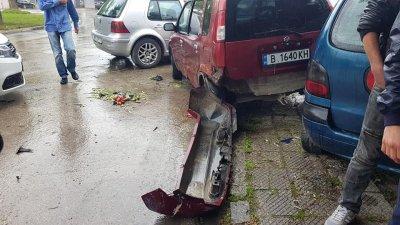 Дрогиран изрод блъсна жена и помля 8 коли! (СНИМКИ И ВИДЕО)