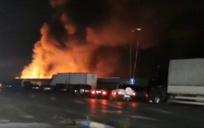 Потушен е пожарът в зеленчуковата борса край село Кърналово