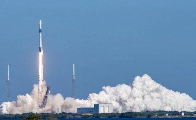 """Кръстиха капсулата на SpaceX """"Индевър"""""""