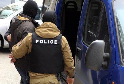 Върнаха в ареста двамата граничари от Калотина, взели подкуп