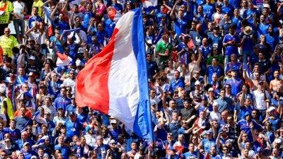 Запалянковците във Франция може да се върнат на стадионите в края на юли