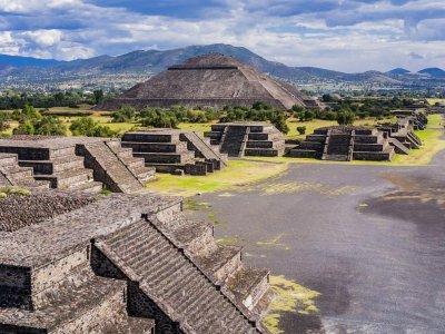 Пирамидите били имитация на планините