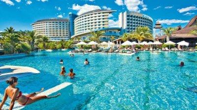 Хотели и къмпинги ще заработят в Гърция от понеделник