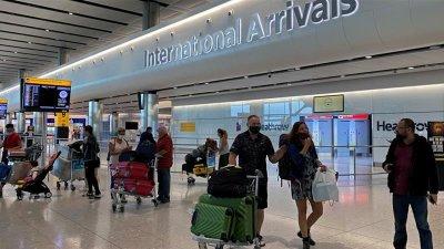 Важно: 14 дни карантина за всички влизащи във Великобритания