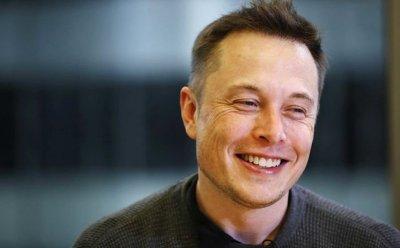 Мъск се облажи със $775 млн. бонус от Tesla