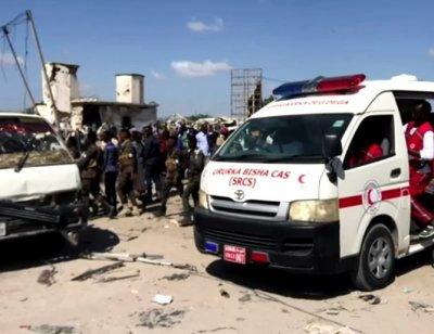 Взрив на автобус в Сомалия уби 10 души
