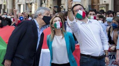 Протести в Италия в деня на националния й празник
