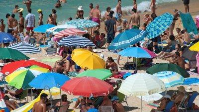 Европа плаши британските туристи с карантина