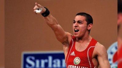 Тамаш Аян укривал година български щангист