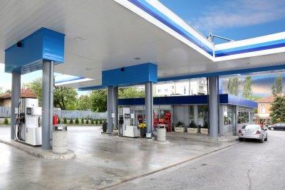 Парламентът реши да строим държавни бензиностанции