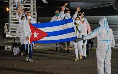 Куба е изпратила медици в Перу, Кувейт и Гвинея, за да помагат