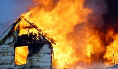 КОШМАР! Две дечица загинаха в пожар край Шумен