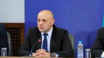 Томислав Дончев: Трябва да убедим хората, че няма недосегаеми