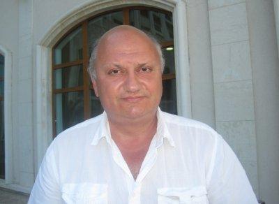 Кардиологът проф. Борислав Георгиев: Пушенето помага на инфекциите