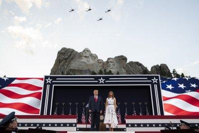Тръмп в атака за 4 юли: Крайнолеви фашисти искат да унищожат Америка