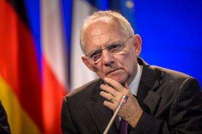 Шойбле: ЕС трябва да се разшири от паричен съюз в икономически