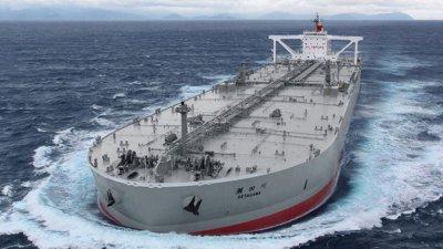 Китай съхранява огромни количества петрол в морето