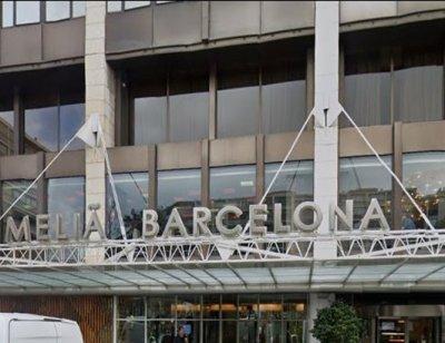 Хотел в Барселона изпрати с шпалир и аплодисменти клиентите си с Covid-19