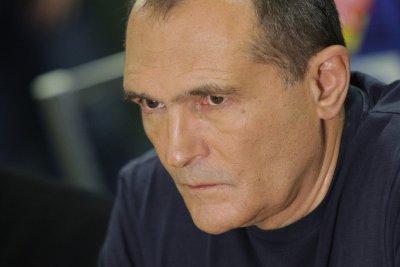 Прокуратурата иска постоянен арест за двама приближени на Васил Божков