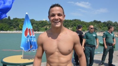 Бургаски плувец ще пробва да счупи световен рекорд