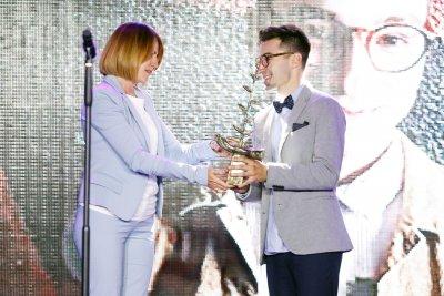 Млад влогър спечели Голямата награда за Полет в изкуството (СНИМКИ)
