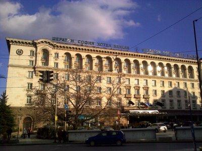 """Кипърска офшорка купи хотел """"Шератон"""""""
