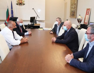 Борисов обсъди епидемията с Националния щаб