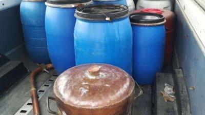 Мъка: Конфискуваха над 2 тона нелегална ракия в Пловдив