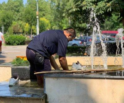 Непукист се изпра във фонтаните на Разград (СНИМКИ)