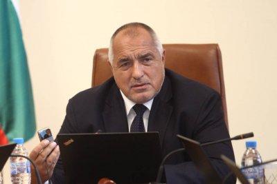 Премиерът Бойко Борисов към министъра на околната среда и водите Емил Димитров-Ревизоро