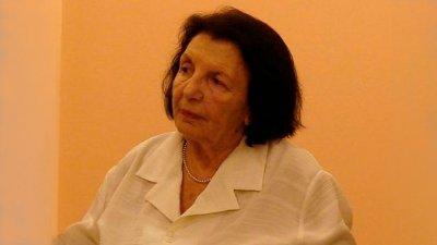 Почина Катя Воденичарова