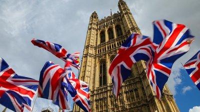 Великобритания налага санкции на руснаци и саудитци