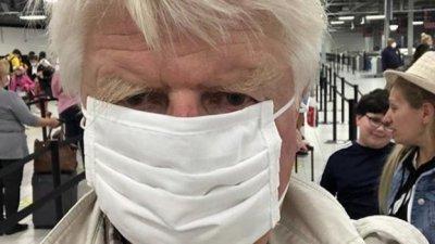 Бащата на Борис Джонсън не се извини за нарушението, защити пътуването си до Атина