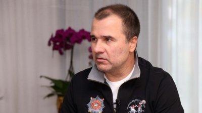 Малката Цека: Божков отдавна пазарува футболни агитки